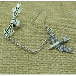Earcuff zwaluw en pijltjes zilverkleurig
